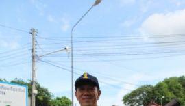 В Раваи стартовала кампания по борьбе с распространением денге. Участие в акции 11 июня принял и мэр района Арун Солос, взявший в руки «фумигатор», для борьбы с насекомыми