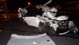 Фото: Легковой автомобиль перевернул грузовик с мусором на пхукетском шоссе