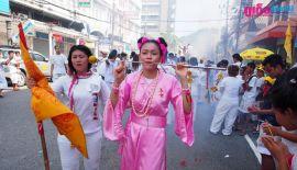 Вегетарианский фестиваль на Пхукете: 11 Октября. Церемония шествия, организованная китайскими храмами