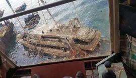 Затонувшую лодку подняли вблизи берегов Пхукета